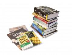 Soja ist eine der wichtigsten Feldfrüchte weltweit. Entsprechend umfangreich ist die Literatur zum Thema. Foto: Taifun Tofuprodukte